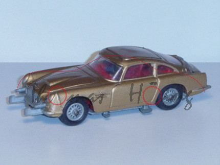 James Bond\'s Aston Martin D.B.5, gold, vom James Bond Film Goldfinger, mit Beifahrer+Aufkleber+Beip