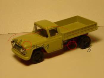 Ford F 500 LKW, grünbeige, 3 Fac weg