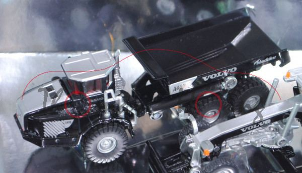 Set Baufahrzeuge bestehend aus: Volvo Dumper A40D (vgl. 1877), Volvo Motorgrader G990 (vgl. 1883), L