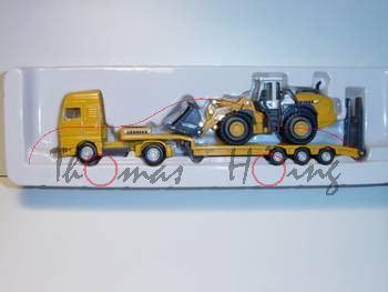 MAN TGA Tieflader mit Radlader, chromgelb und chromgelbgelb/grau, P29
