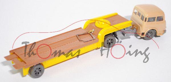Abschleppwagen mit Seilwinde, hellbraun/gelb, Nummernschild halb weg