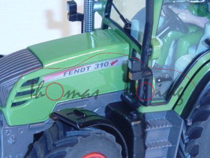 Fendt 310 Vario mit Kurzscheibenegge, resedagrün und smaragdgrün/melonengelb, Amazone Catros 3001, m