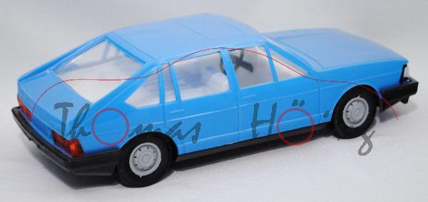 Audi 100 Avant L (C2, Typ 43, Modell 1977-1982), himmelblau, mit Friktionsmotor, Anker Spielzeug, 1: