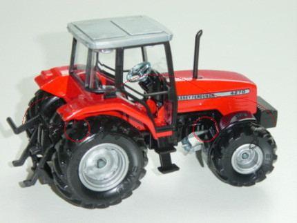 Massey Ferguson 4270 Traktor (Modell 1997-2001), verkehrsrot/schwarz, schmale Reifen, Felgen silberg